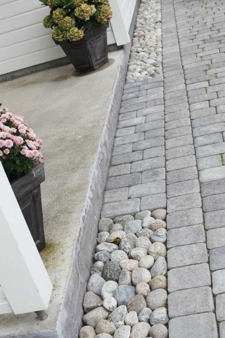 Pflaster Und Flusssteine Innenhofgestaltung Pflaster Und Flusssteine Terrassenideeen Garte Easy Garden Ideas Landscaping Driveway Landscaping Garden Floor