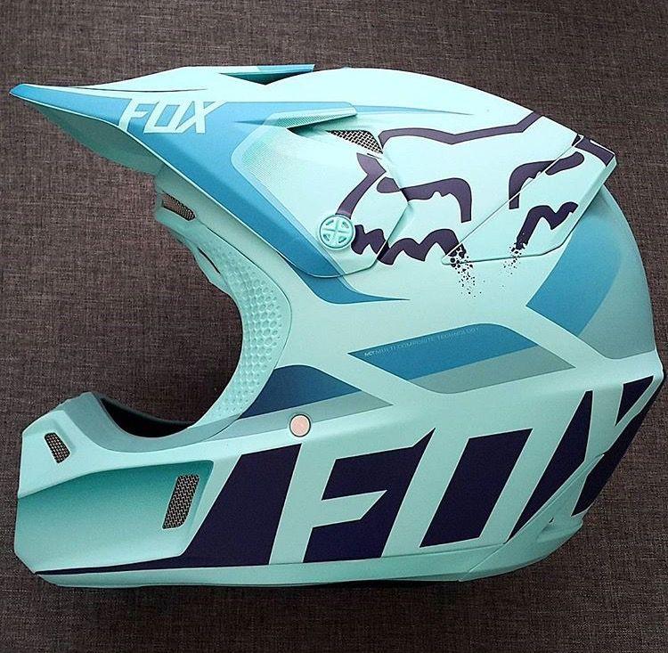 Pin By Cayli Yost On Motowear Dirt Bike Helmets Dirt Bike Gear Dirt Bike Girl