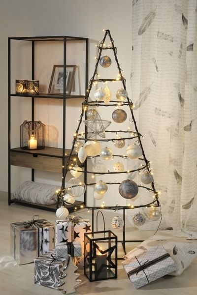 40+ Unusual Cool Christmas Tree Alternatives 2019 | MARMALETTA #kerstboomversieringen2019