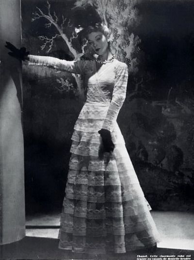 Chanel 1940 Evening Gown    Photo Horst P Horst