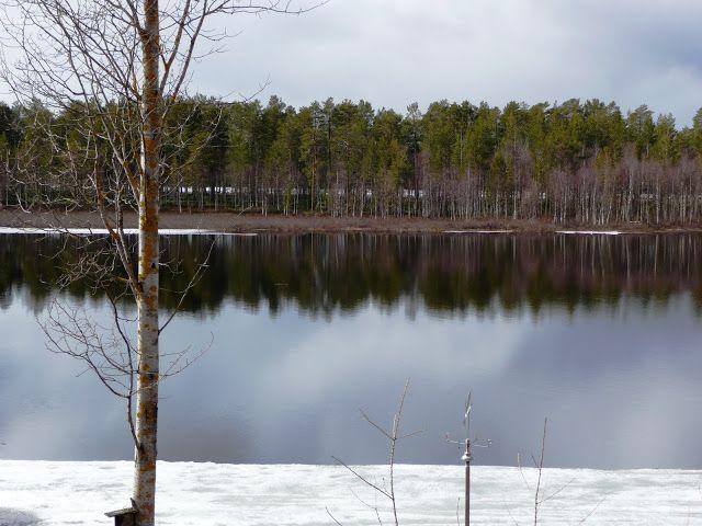 Jemina Staalon Veden vuosi 2: Lunta tulvillaan on raitis toukokuun sää