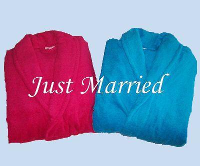 Just Married Handdoek.Badjasset Just Married Twee Heerlijke Badjassen Met De