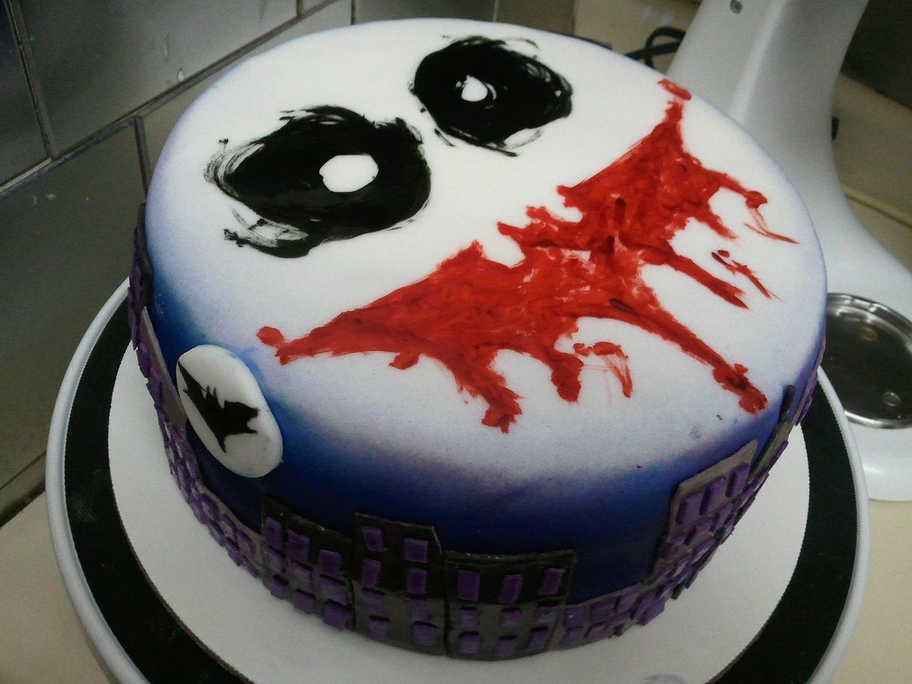 Pin By Scott Mastaler On This Is Awesome Joker Cake