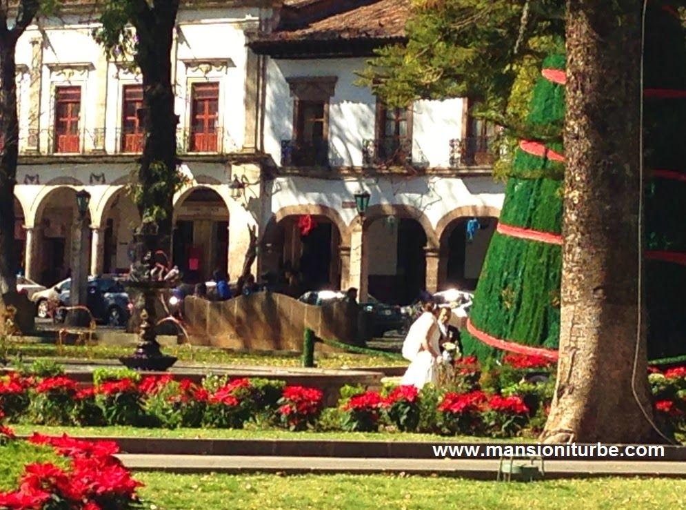 Una Temporada en donde las Bodas son muy populares en Pátzcuaro es la Temporada de Fin de Año.