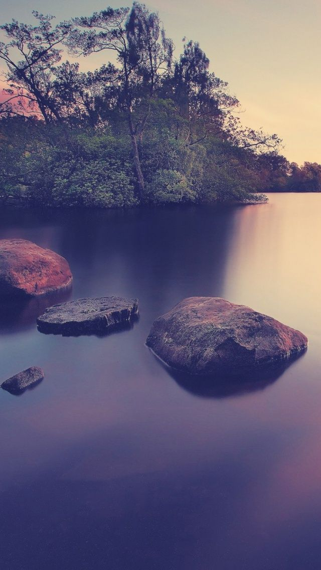 Smooth lake water surface (long exposure photo) #iPhone #wallpaper