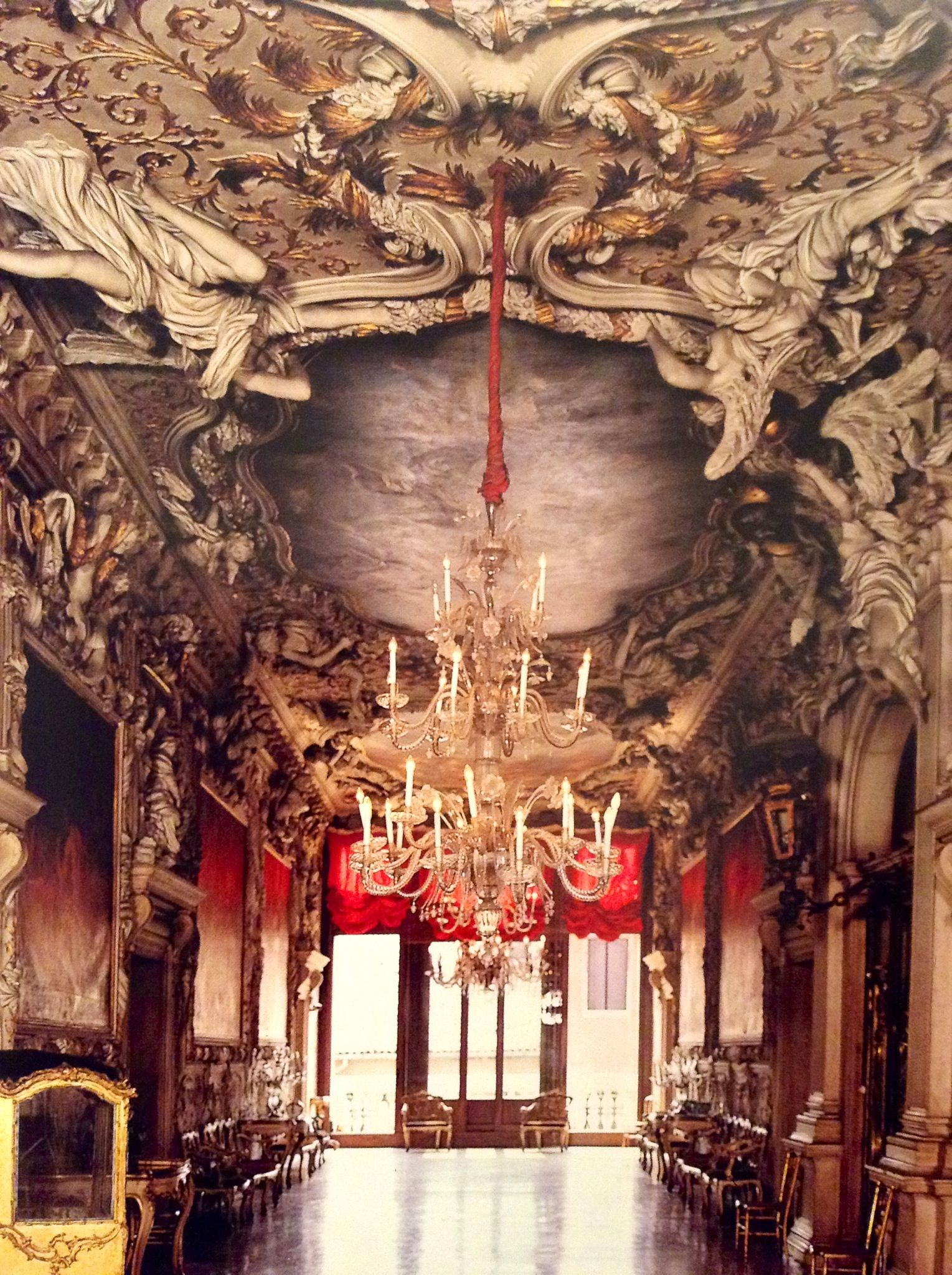 Stucco ceiling of the portego, realized by Stazio at the end of XVII century, al Palazzo Albrizzi in S. Apollinare, in Venice.