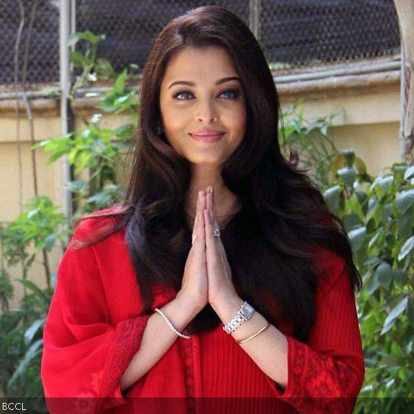 Aishwarya Rai Who Is One Of The Most Beautiful Women In The World Is Also A College Dropout With A Pass Most Beautiful Women Celebrities Actress Aishwarya Rai