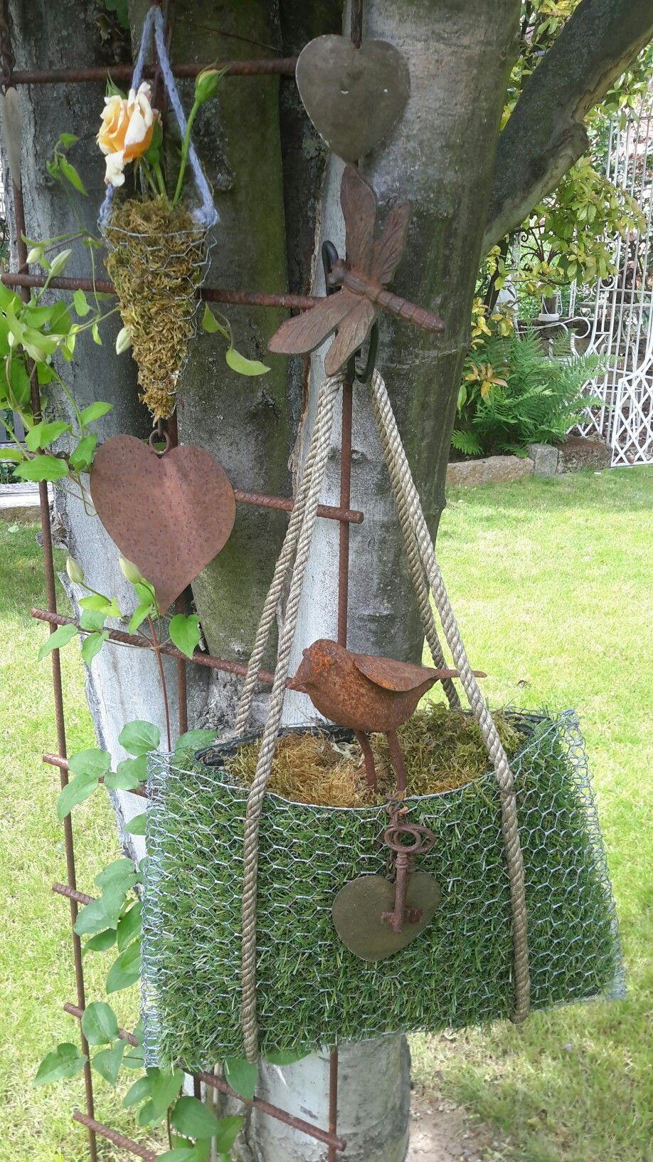Drahttasche.....Meine Lieblingstasche im Garten - Gartengestaltung Ideen #gartenideen