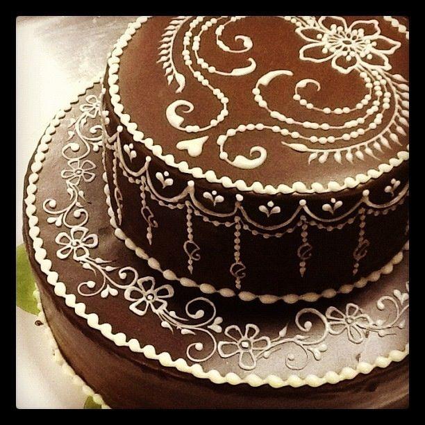 Best 25+ Henna Cake Designs Ideas On Pinterest