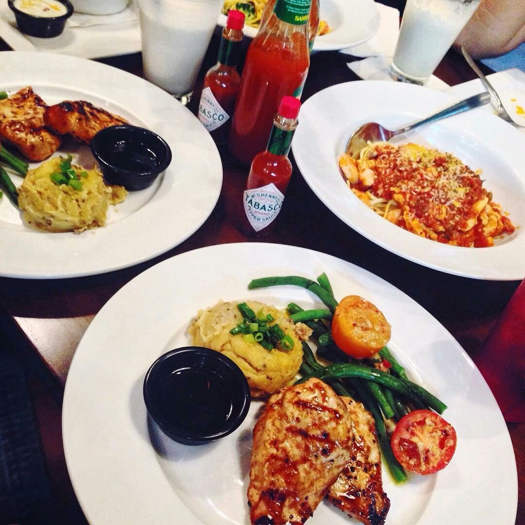 Tgifindonesia Our Dinner Party There S New Promo At Tgi Friday S Central Park With Idr 79k You Get One Appetizer And A Mai Tgi Fridays Main Course I Foods