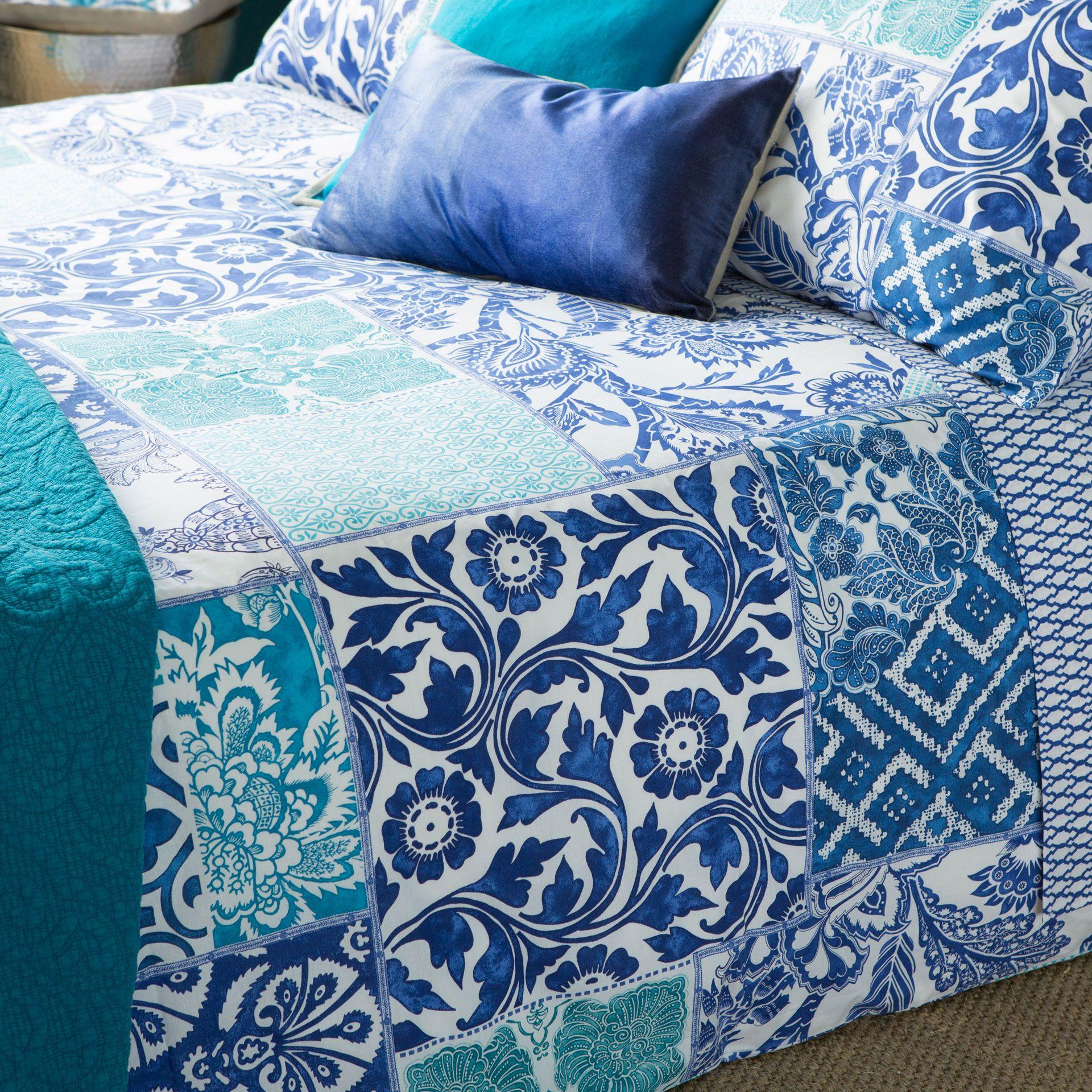 bettw sche mit patchworkprint bettw sche schlafen zara home deutschland t rkis. Black Bedroom Furniture Sets. Home Design Ideas