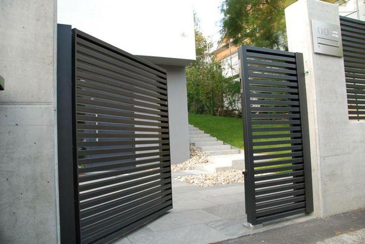 Puerta de 2 hojas batientes desiguales con tubo cuadrado - Puertas de valla ...