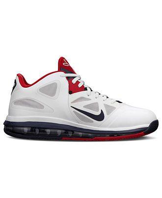 bee413586a4137 1. Nike Shoes