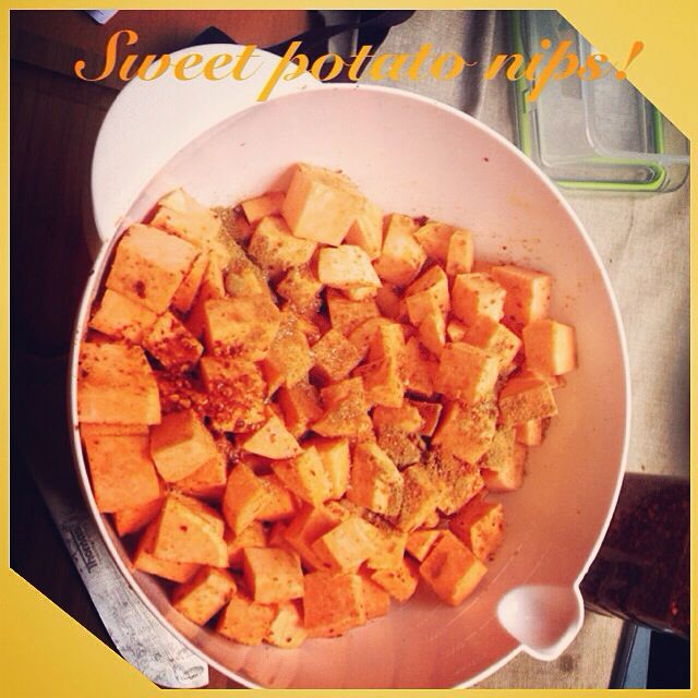 ♥️Awesome Sweet Potato Nibs♥️ ✅ 2-3 medium/large sweet potatoes ✅ 1 tbsp Coconut oil ✅ 2 tbsp Cumin ✅ 2 tbsp Chilly powder ✅ 2 tbsp Chilly flakes (if you like it spicy)  ✅ Some salt & pepper   Preheat oven to 170 degrees.   Drizzle over melted coconut oil + spices & toss all together.   Spread onto cooking tin (lined with aluminium foil/spread with oil) Bake for 30-45 min. Enjoy!!!  Inspired by #thebettyrocker!