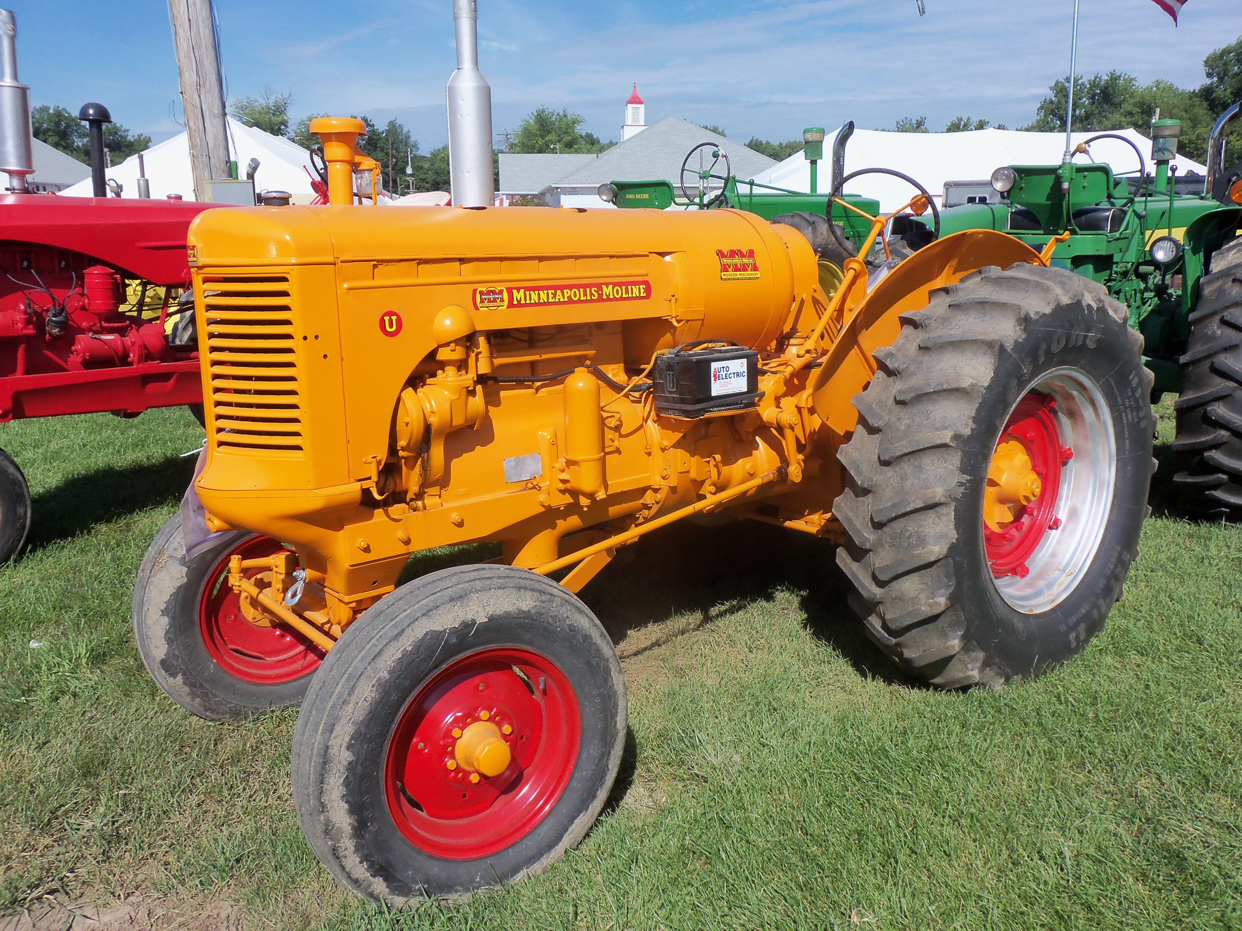 Minneapolis Moline Models : Minneapolis moline model u oliver tractors