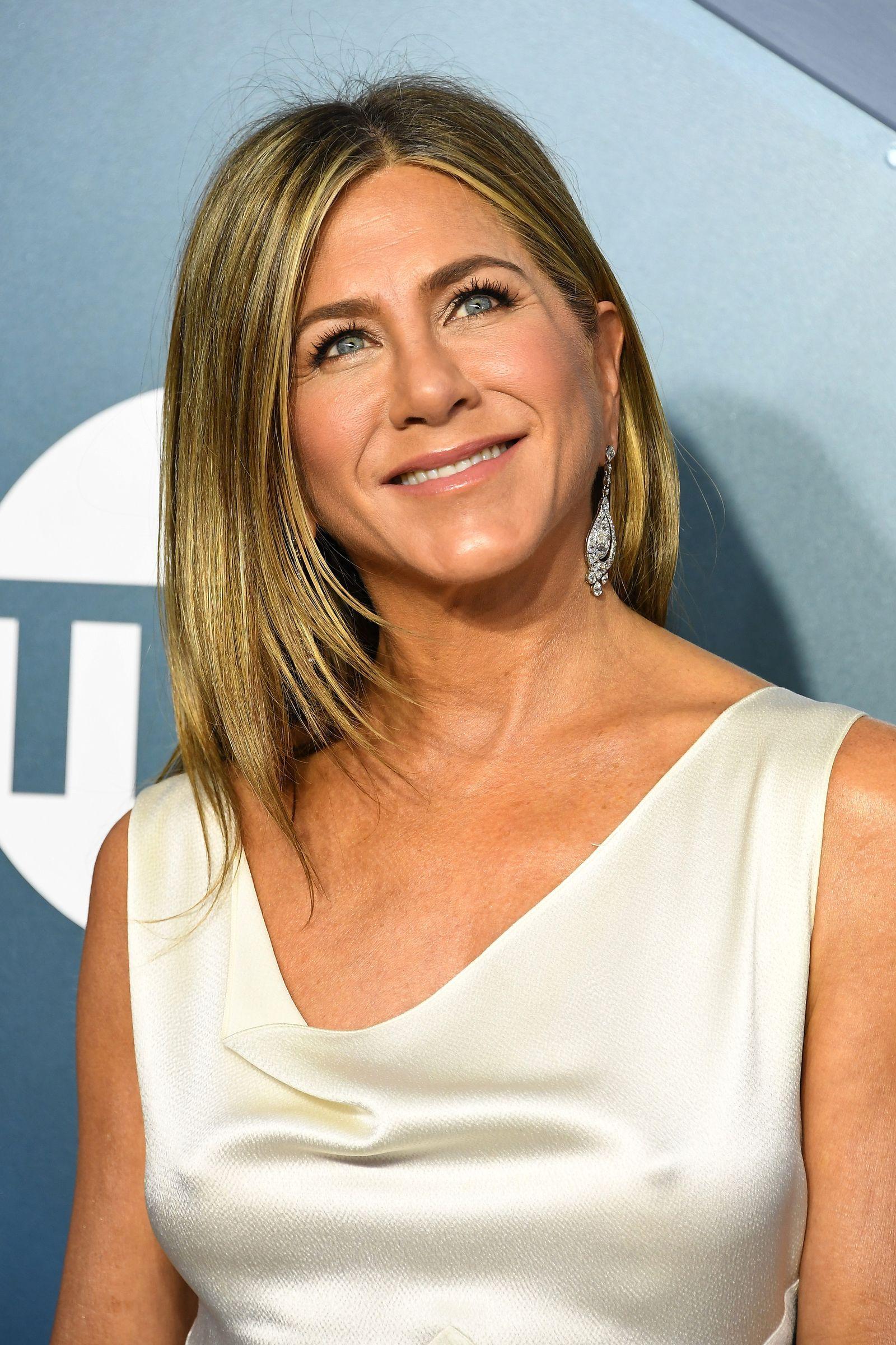 Friends 25th Anniversary: See How Jennifer Aniston
