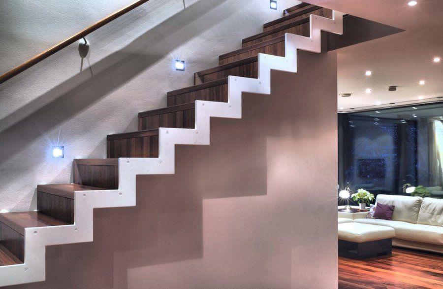 Escalier limon thermolaqué, marches en bois Idée #décoration  Ce