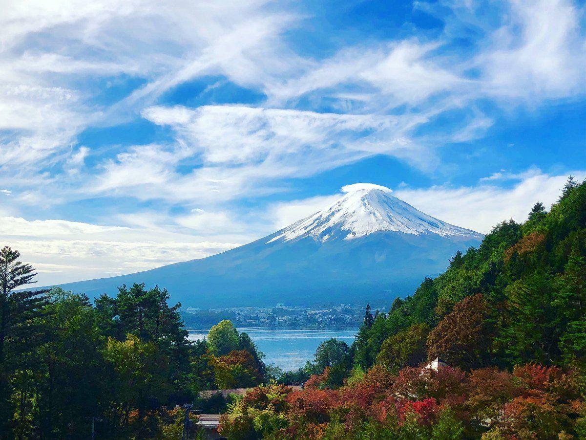山の上から河口湖と富士山を眺めることが出來る高級旅館   富士山、旅館、河口湖 富士山