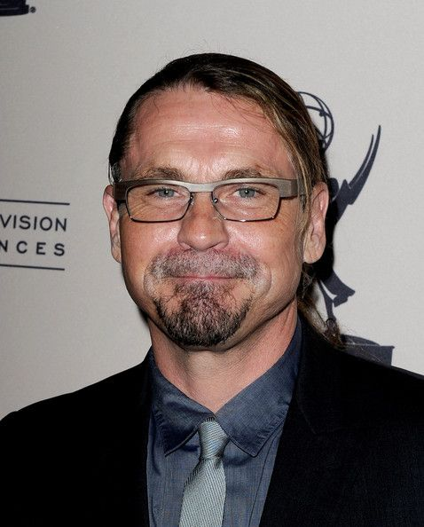 Kurt Sutter Arrives At The Television Academy S Presentation Of An Evening With Sons Of Anarchy At The Goldenson Theat Sons Of Anarchy Anarchy Tommy Flanagan