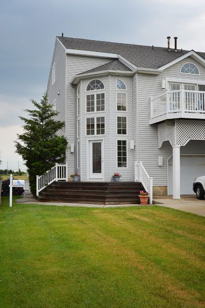 Beach homes are sometimes set on an angle to create more of a lawn ...