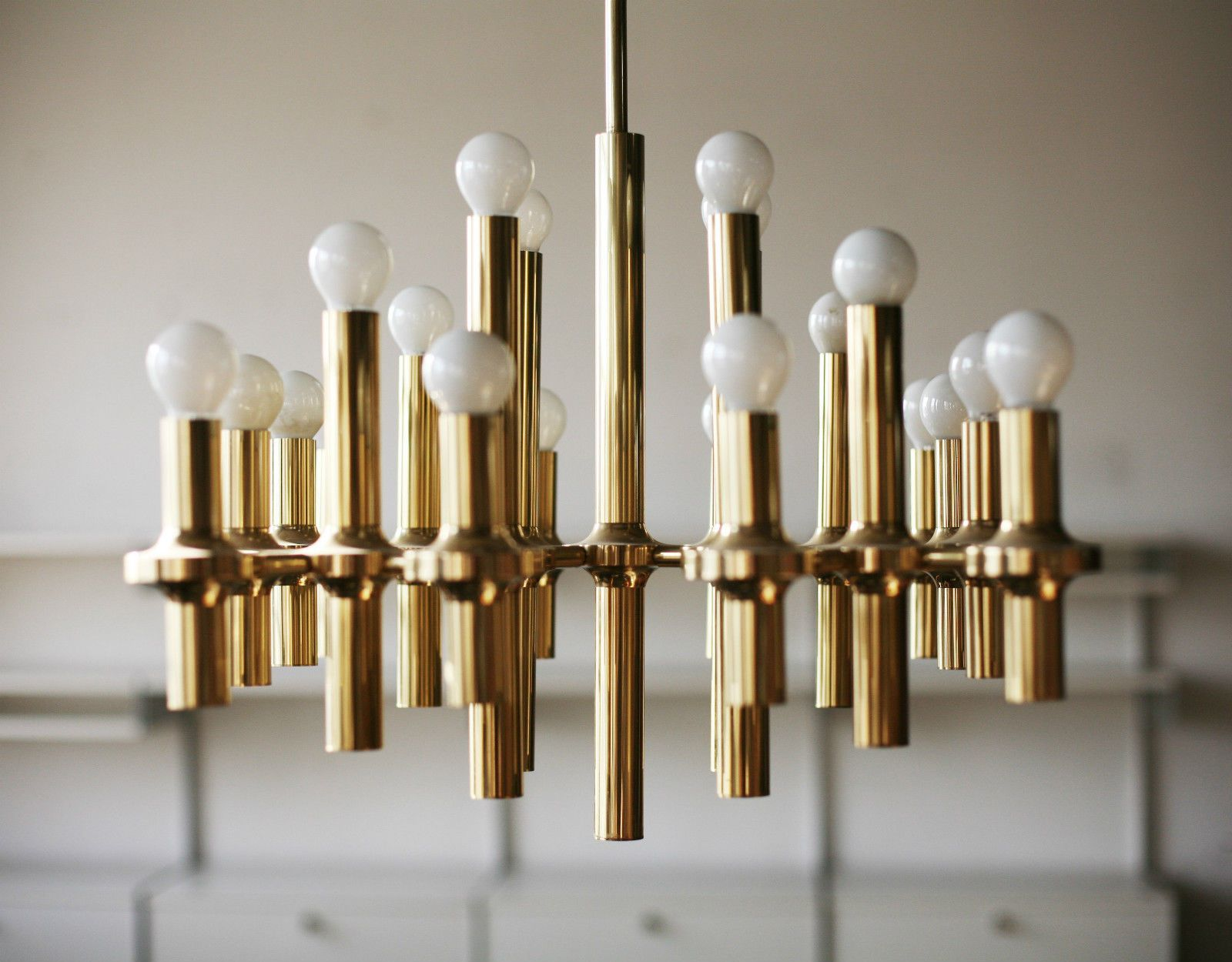 true vintage gaetano sciolari deckenlampe 70er lampe space age chandelier gold large sciolari. Black Bedroom Furniture Sets. Home Design Ideas