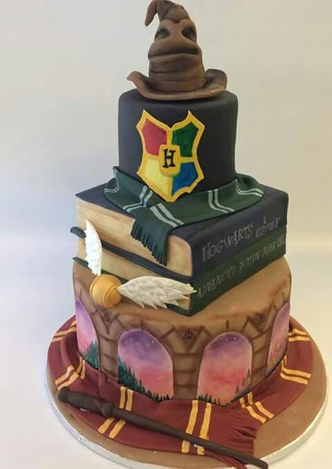 Harry Potter CakeIm pretty sure my 21st birthday will be full