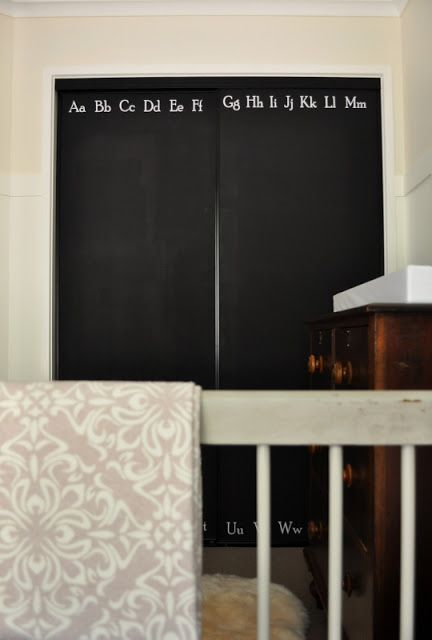 In Love With These Chalkboard Closet Doors For A Nursery Via The Painted Hive Closet Door Makeover Closet Doors Kids Room Paint
