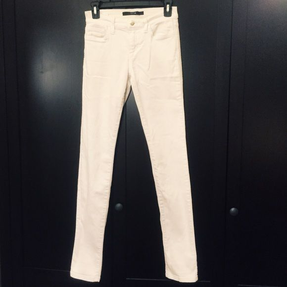White Joe's Skinnies White Joes in GUC, some stitching loose on the label tag on back pocket. Nice thick pants that don't show through like some white jeans Joe's Jeans Jeans Straight Leg