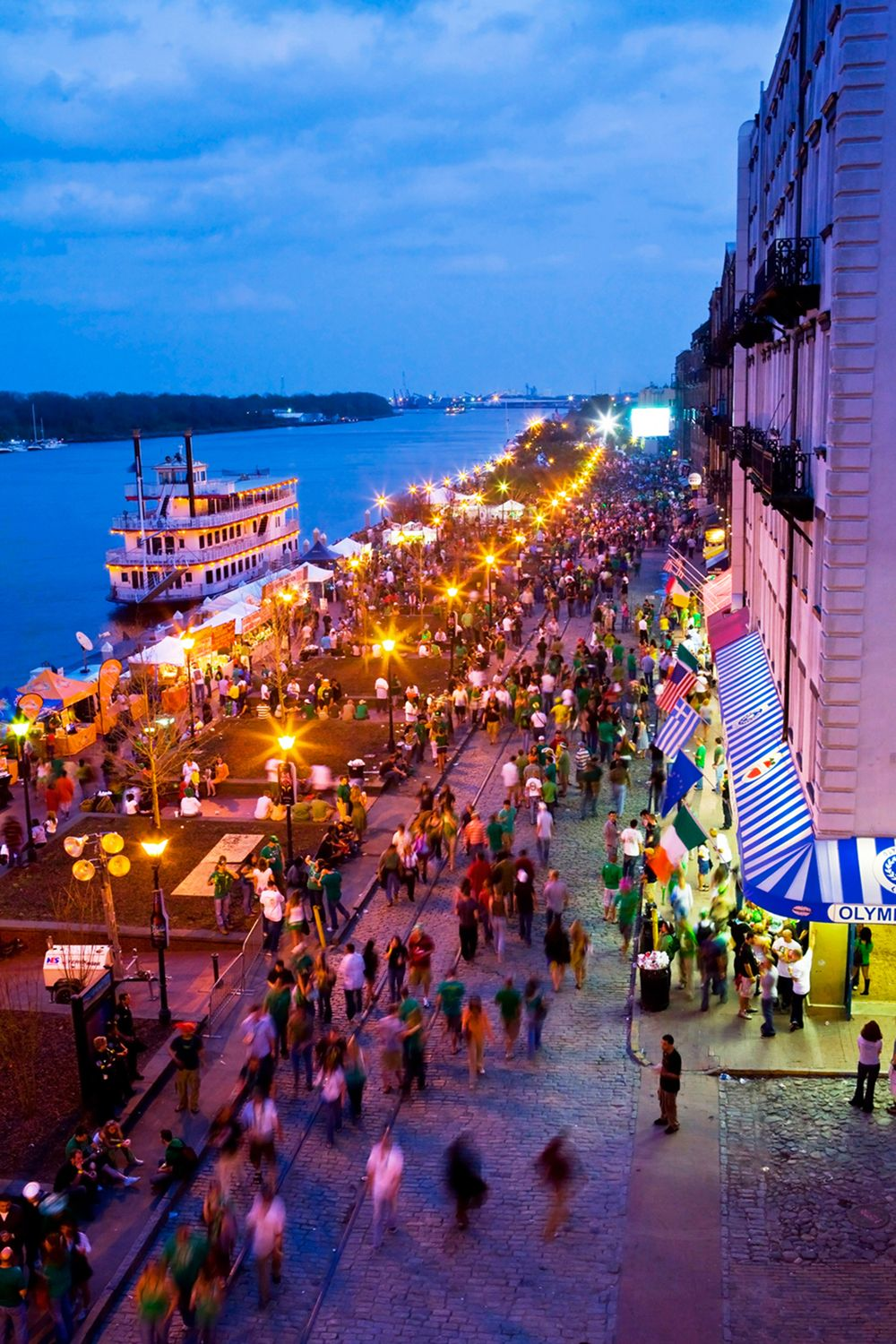 Riverstreet In Savannah Ga For The Best Of Art Food Culture Travel