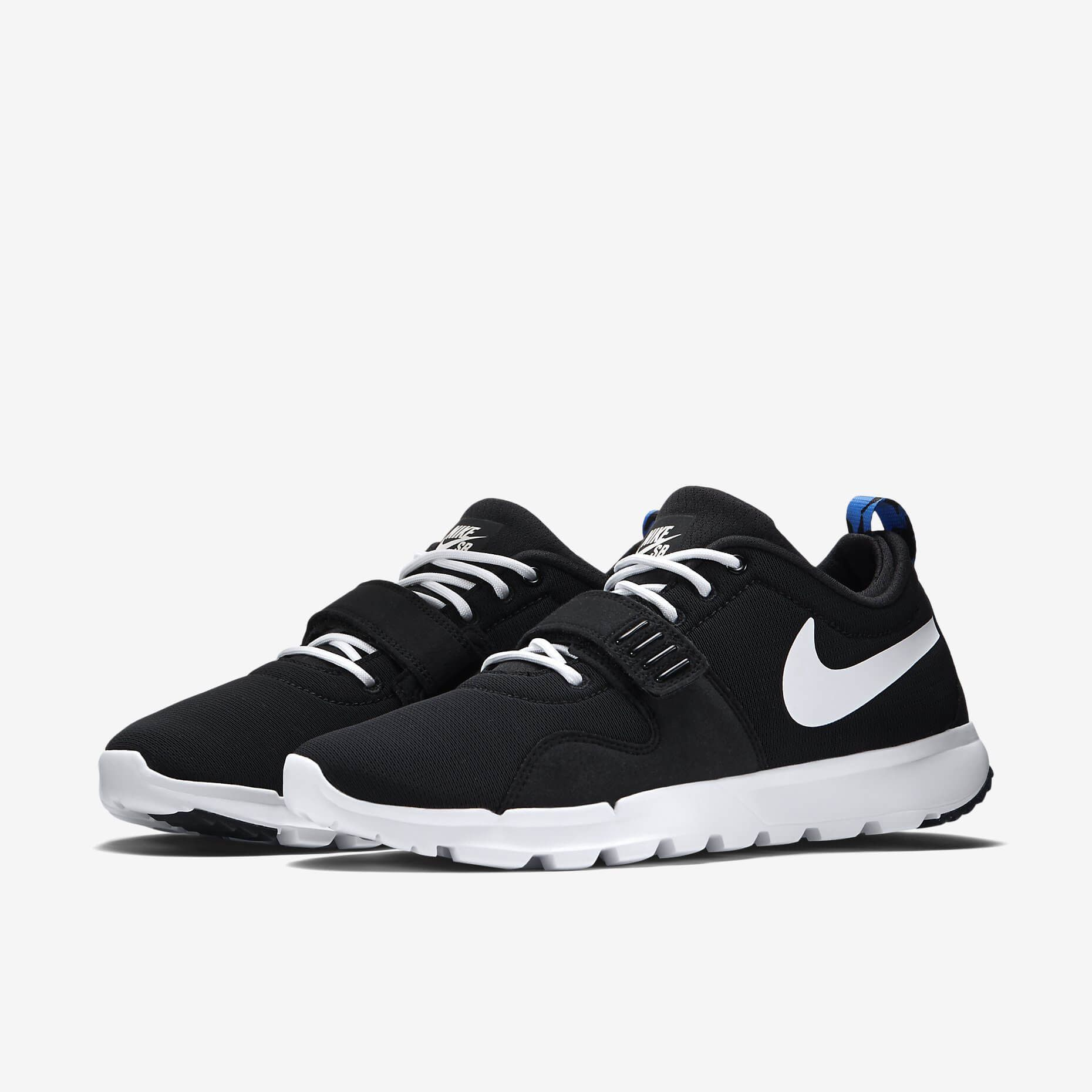 2014 saw the return of the Trainerendor which was a huge success. 2015 sees  Nike SB bring it back with the SE Black White edition.