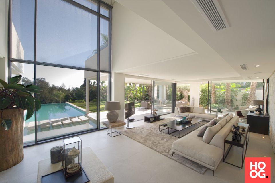 Moderne interieurs met luxe meubels woonkamer ideeën living