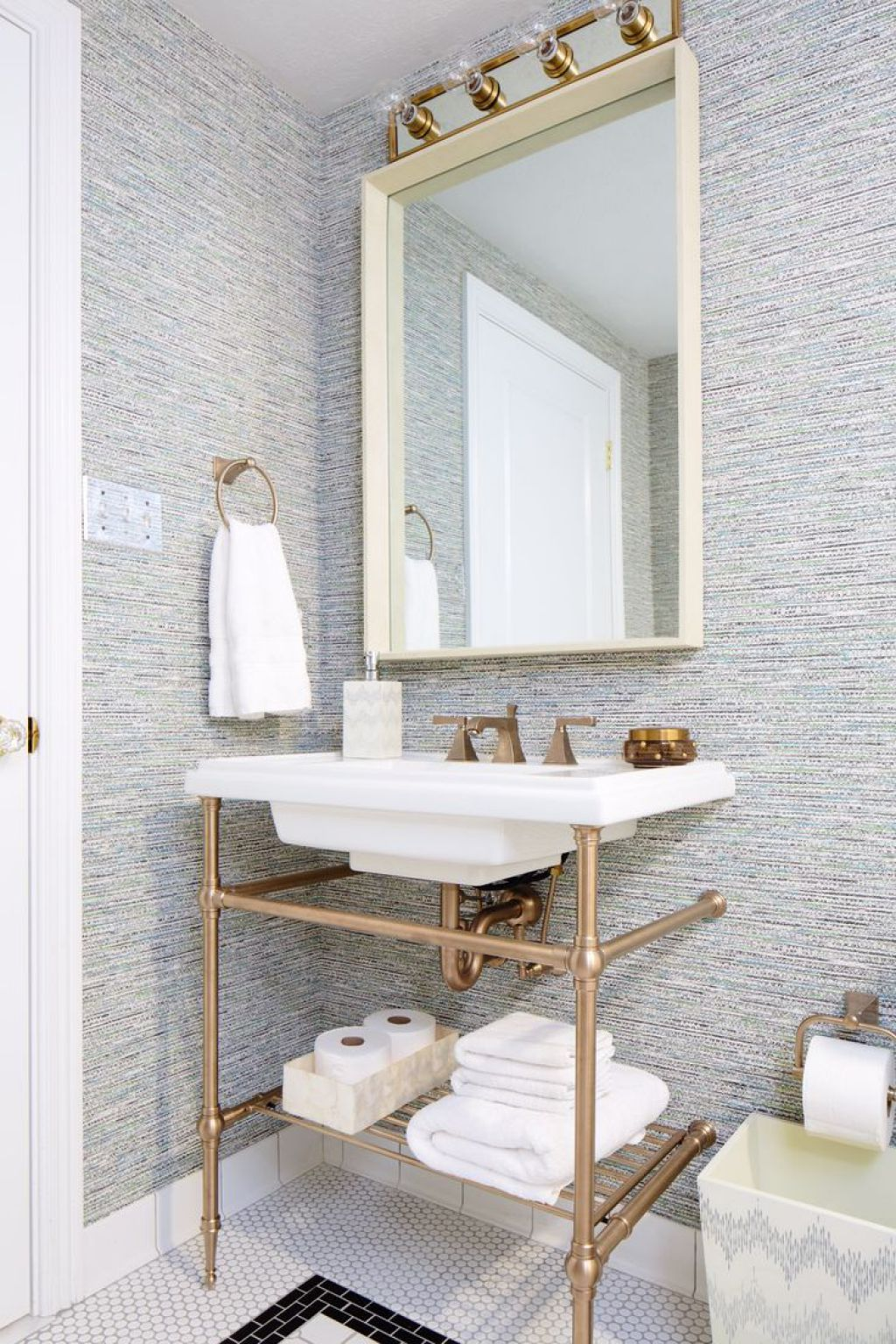 Charming Console Bathroom Sink Check more at http://www.wearefound ...