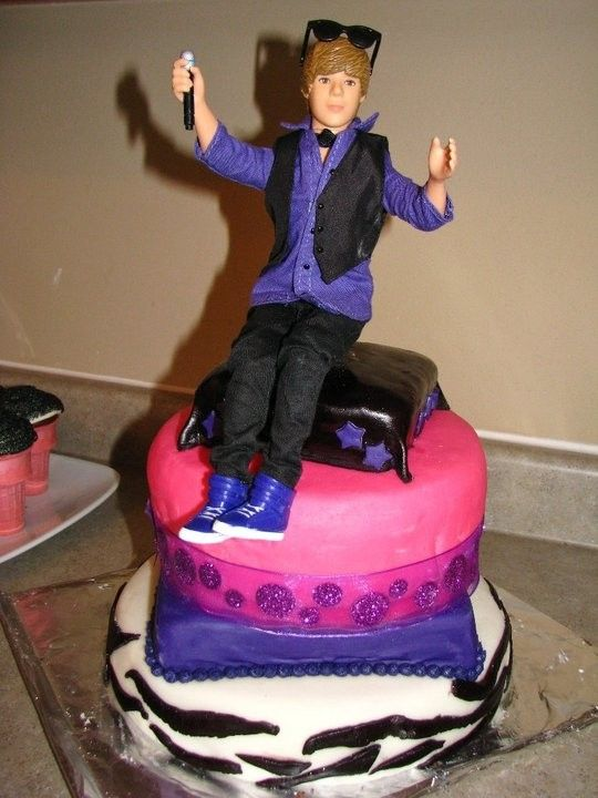 Admirable Justin Bieber Birthday Cakes With Images Justin Bieber Funny Birthday Cards Online Elaedamsfinfo