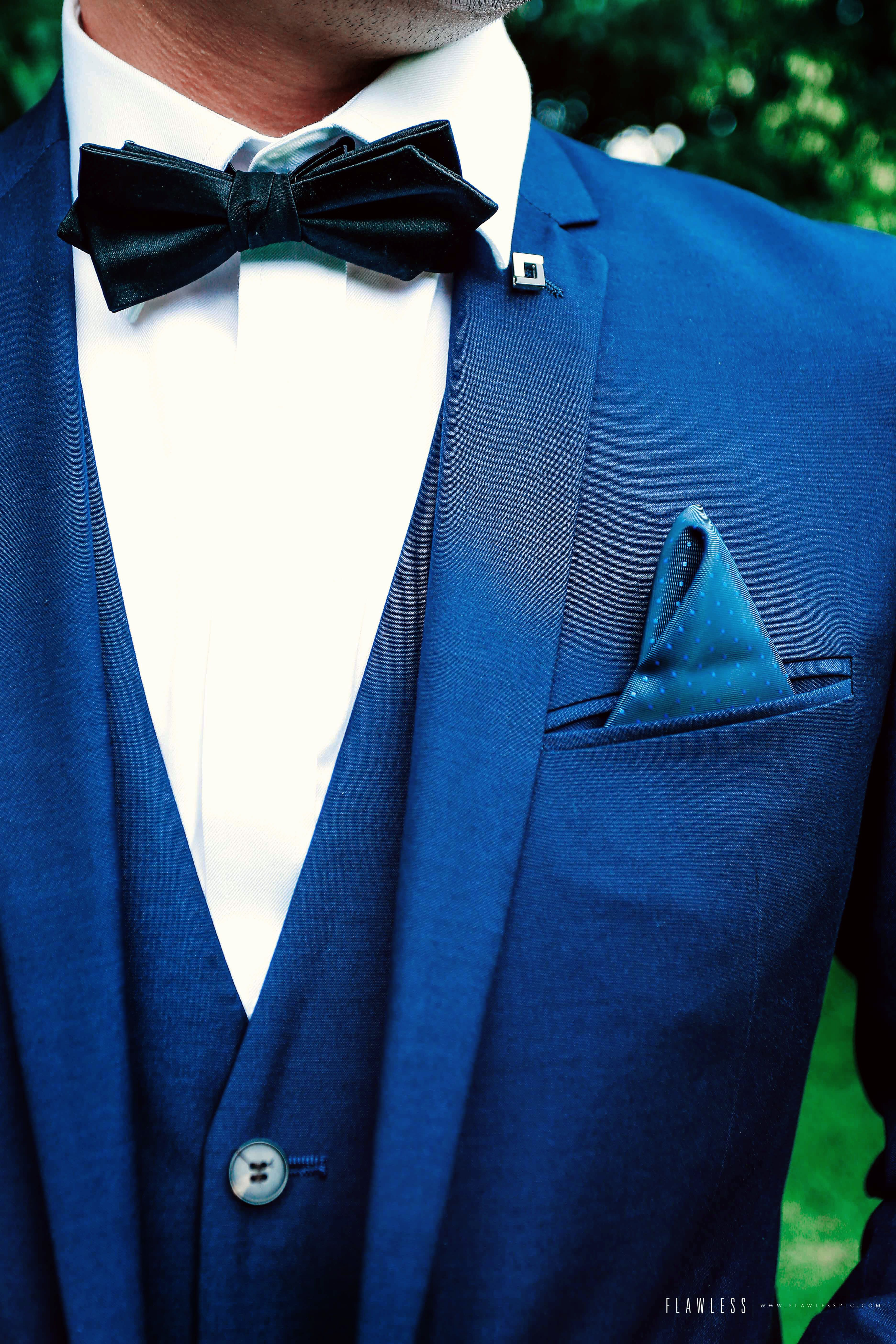 Azure blue groom's formal attire | Project by Flawless Pictures http://www.bridestory.com/flawless-pictures/projects/ya-engagement