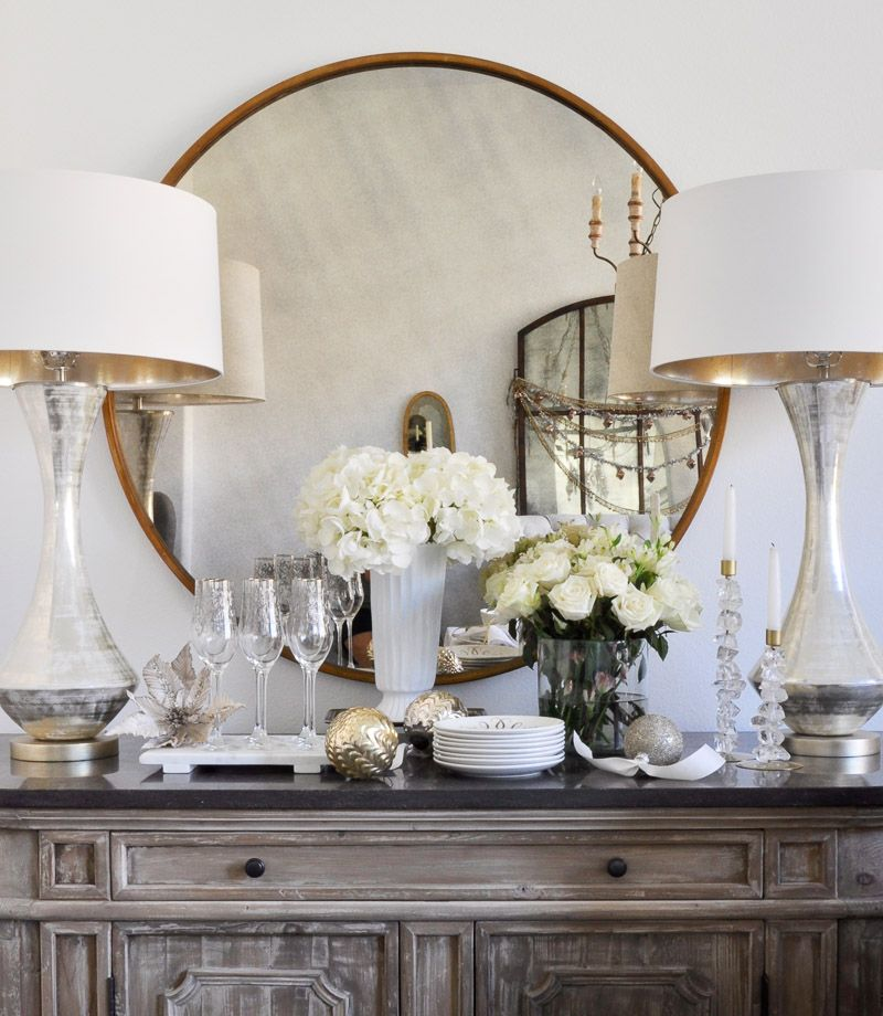 Elegant And Neutral Christmas Foyer: Elegant Traditional Christmas Dining Room By