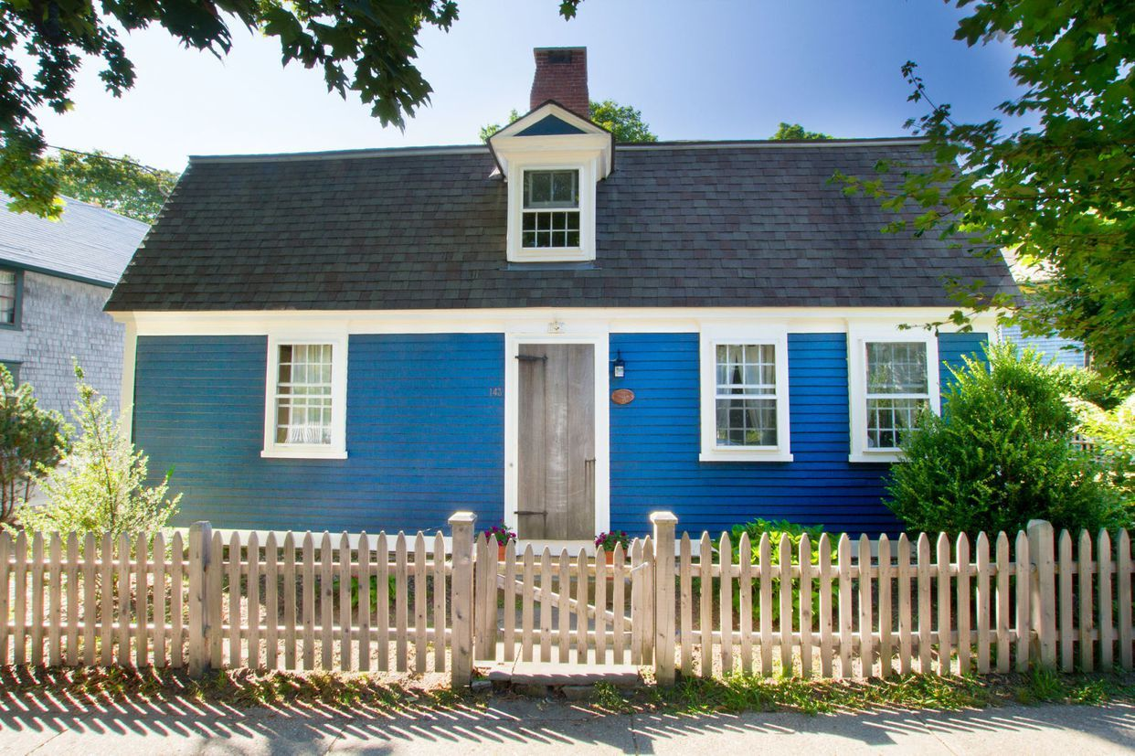 cape cod inspired cottages 7 homes for sale with cape code style rh pinterest com