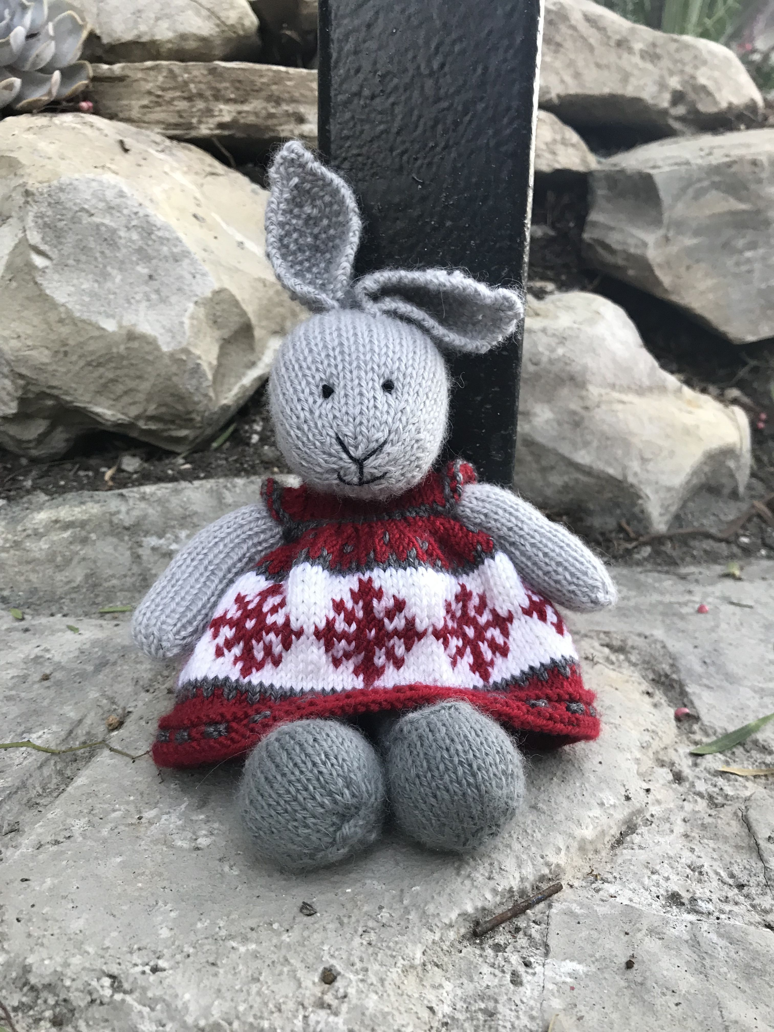 Christmas Bunny Dress   Little cotton rabbits, Knitted bunnies ...