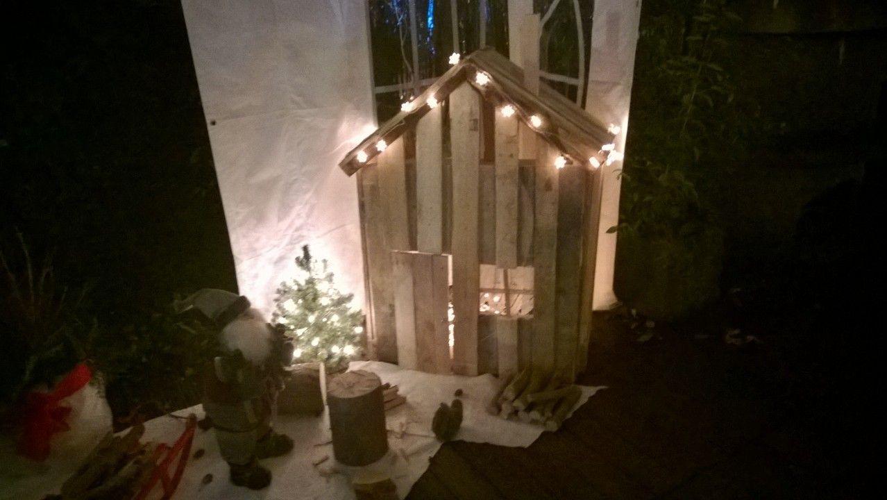 Hütte aus Palettenholz für den Weihnachtsmann   Basteln & Bauen ...