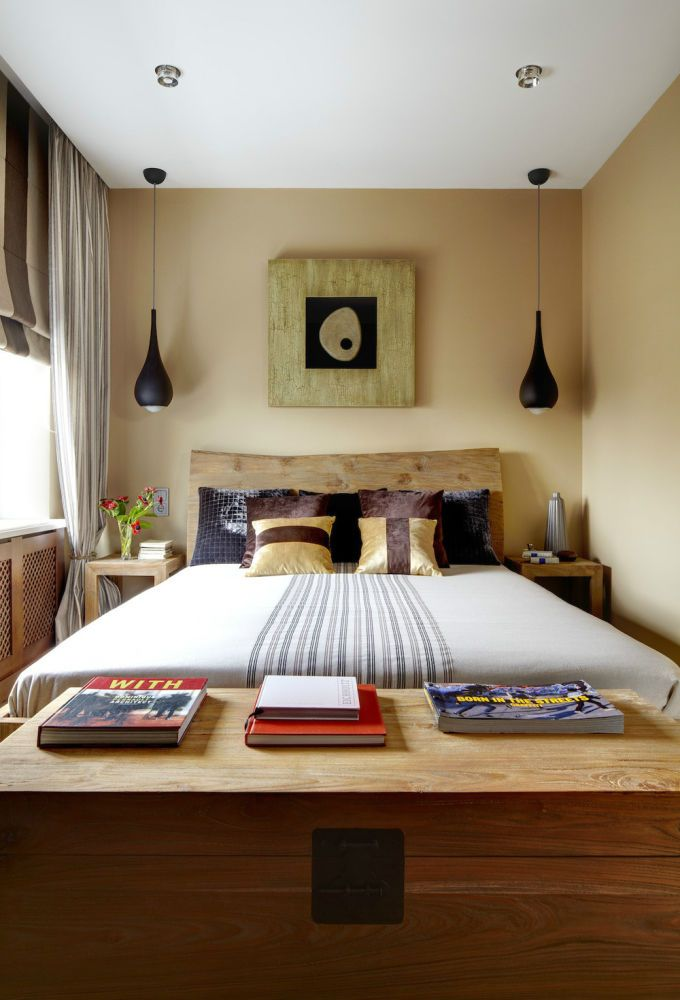 Bed As Focal Point Small Bedroom Decor Small Bedroom Layout