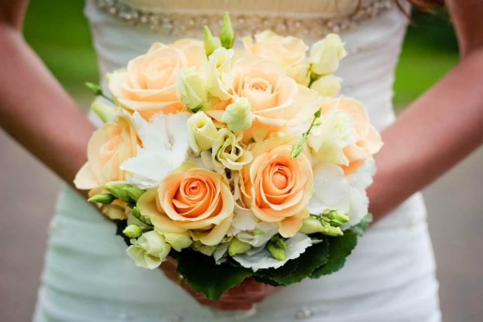 Brautstrauss Hochzeit Rosen Apricot Blumen Hochzeit