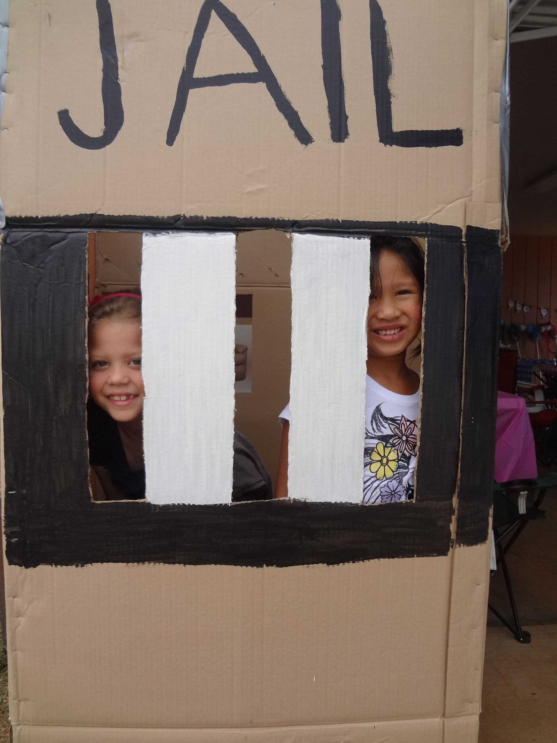 how to make a cardboard jail cell