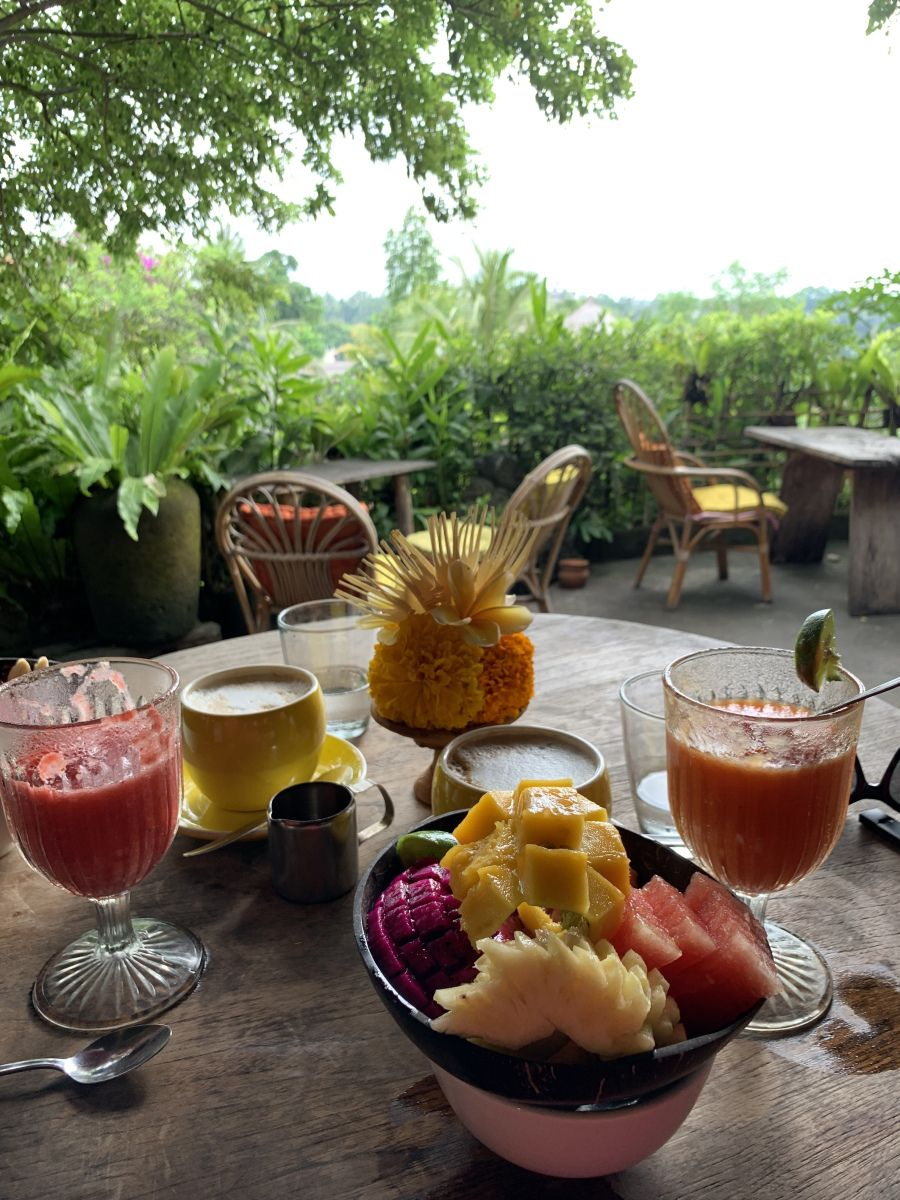 """Best """"Blooming"""" Breakfast at Yellow Flower Cafe, Ubud"""