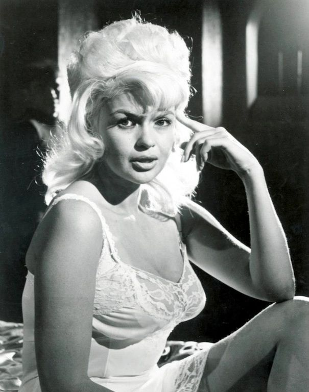 Jayne Mansfield In Single Room Furnished 1968 Hair Hoppers