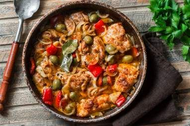 Slow Cooker Mediterranean Chicken This easy to make, restaurant quality Slow Cooker Mediterranean Chicken made with olives, roasted red peppers, and plenty of spices couldn't be more delicious.