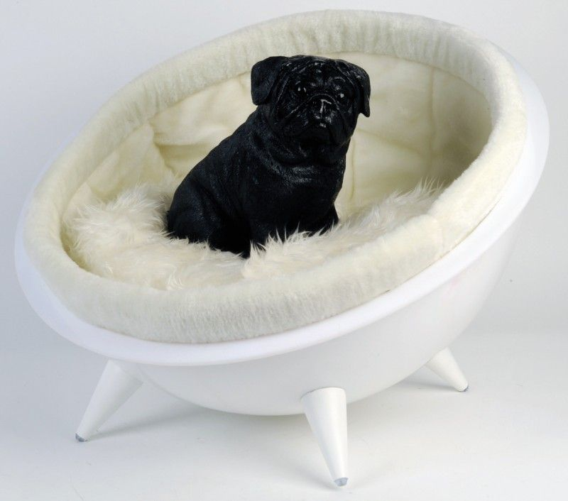 Wonderful Half Moon Chair. Moon Chair For Your Dog Or Cat. Special Design For Your