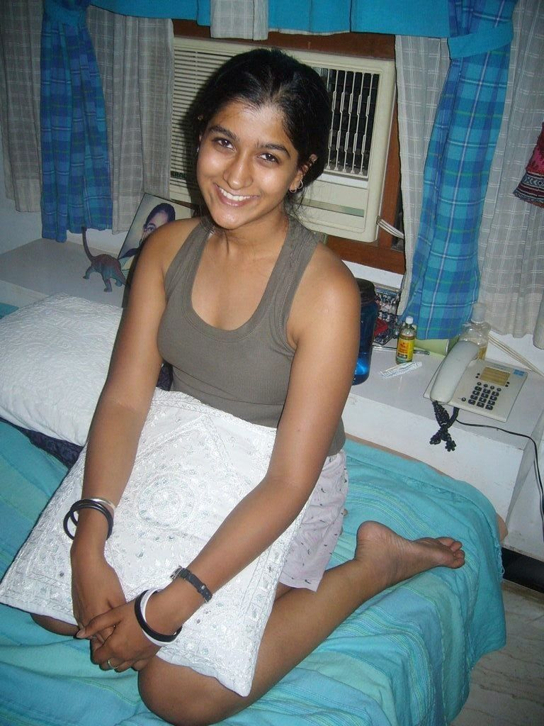 Indian Desi Beautiful Housewife Hot Images