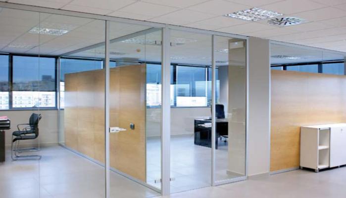 Best 25 mamparas de oficina ideas on pinterest mamparas for Divisiones oficinas modernas