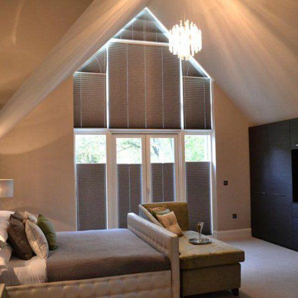 Tolle Ideen, wie Sie Ihr Dreiecksfenster verdunkeln eaves - rollos für schlafzimmer