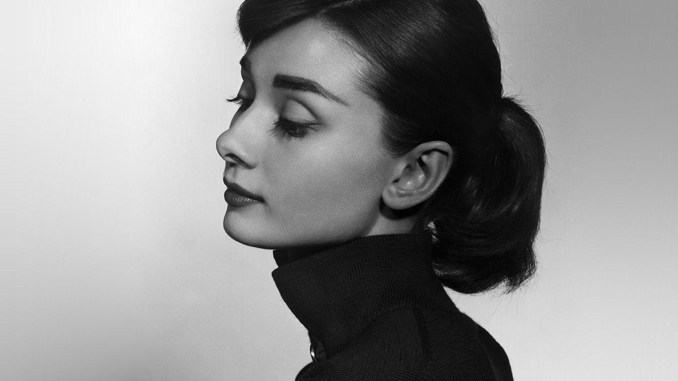 Desktop Wallpaper Laptop Mac Macbook Air Hn97 Audrey Hepburn Bw Film Dark Wallpaper Beauty Photography Women Audrey Hepburn Wallpaper Beauty Makeup Photography