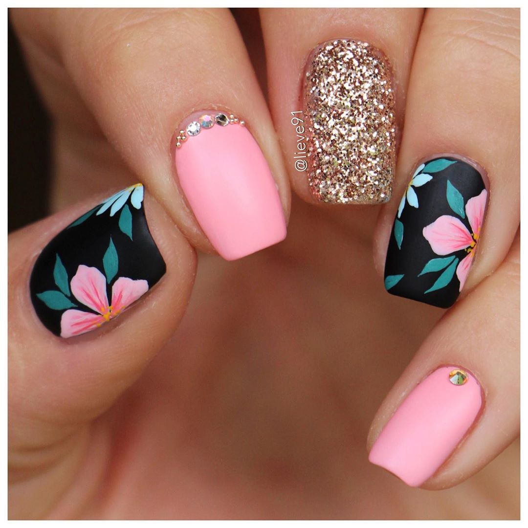 More Tropical Vibes Summer Come Already Inspired By A Photo I Saw On Pinterest No Credit Was Gi Floral Nails Short Acrylic Nails Designs Classy Nails